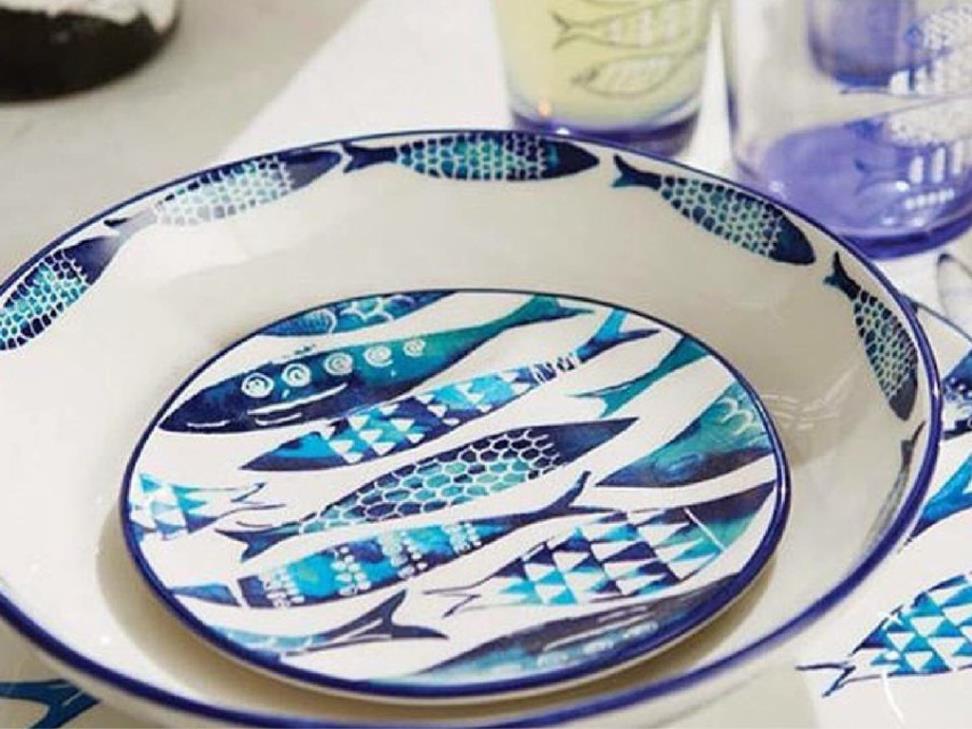 Balık desenli tabaklar